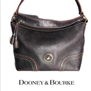 Beautiful Dooney & Bourke Large Shoulder Bag